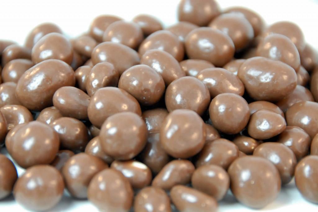 chocolate-flavoured-raisins